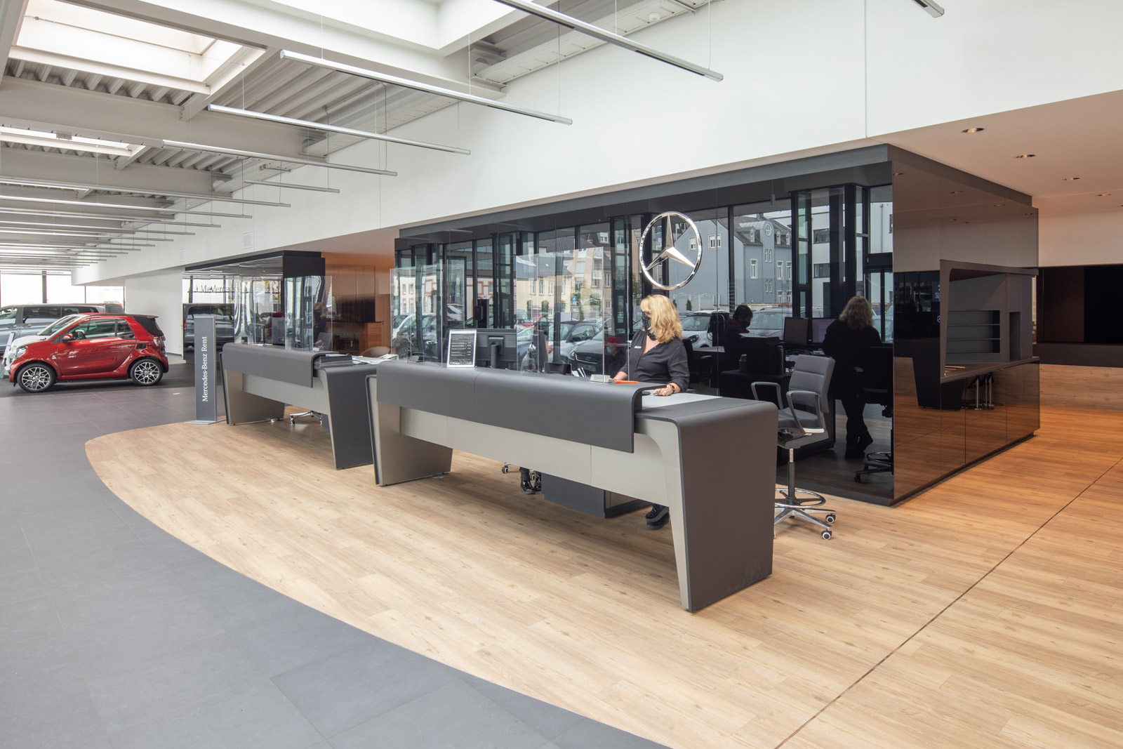 Lamberty Referenz Mercedes Hess Willkommenszone