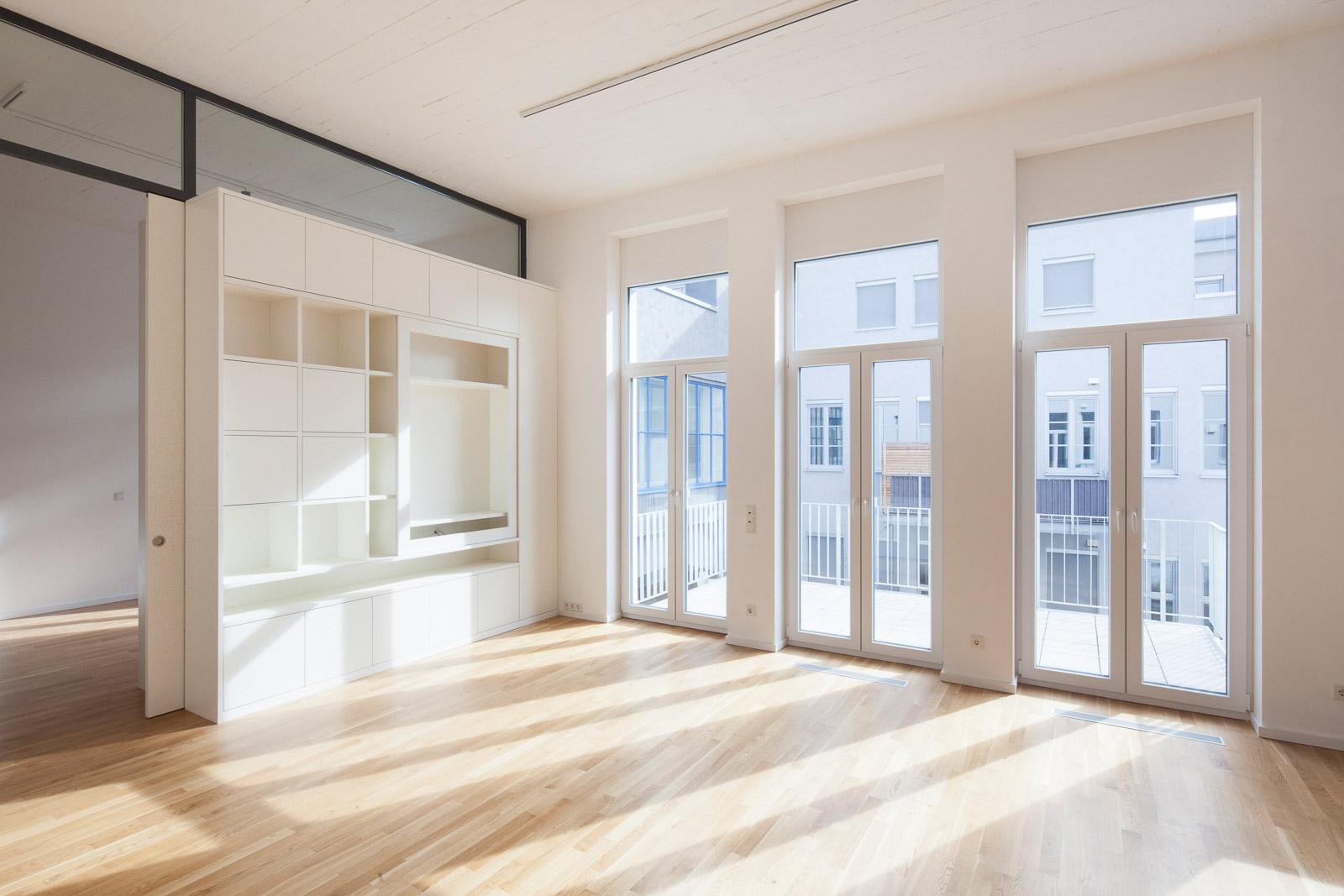 Bobinet Halle 5 - Innenraum Raumteiler