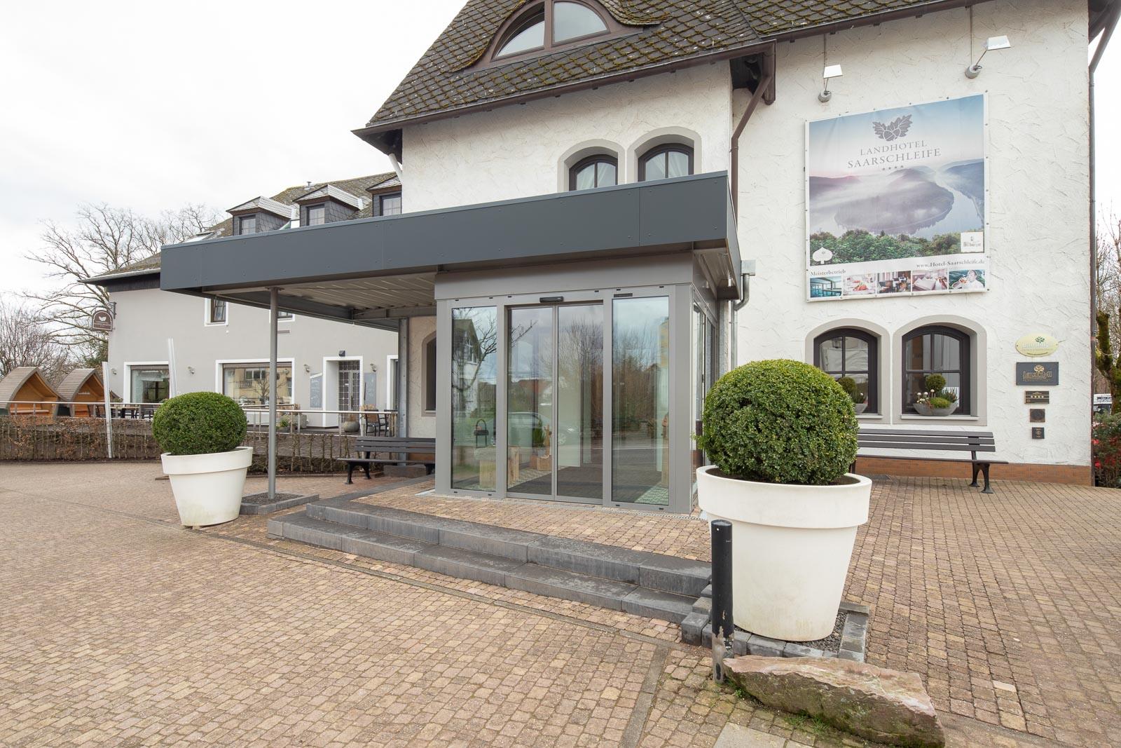 Landhotel Saarschleife Außenfassade tagsüber